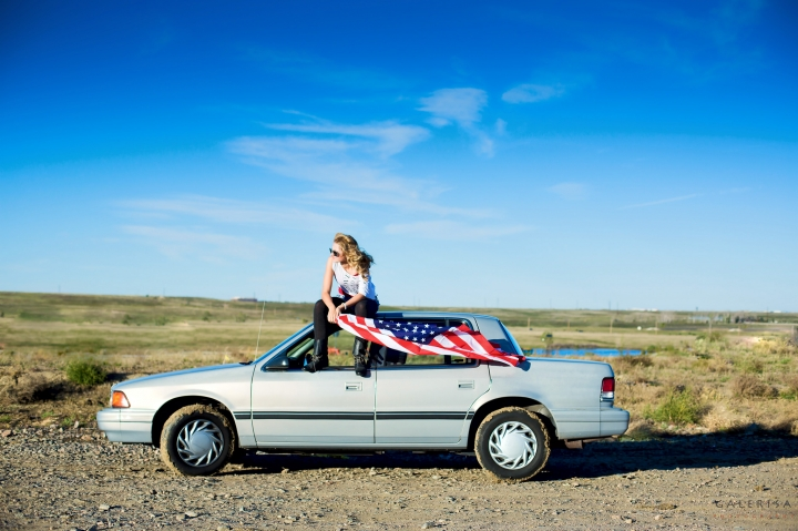 Zlata-Titova-senior-2015,-girl-with-american-flag,-galerisa-photography-11