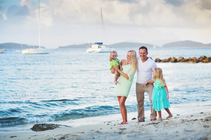 Sasya-and-Kate-Family-Portraits-on-the-St-Thomas-Beach-galerisa-blog-1