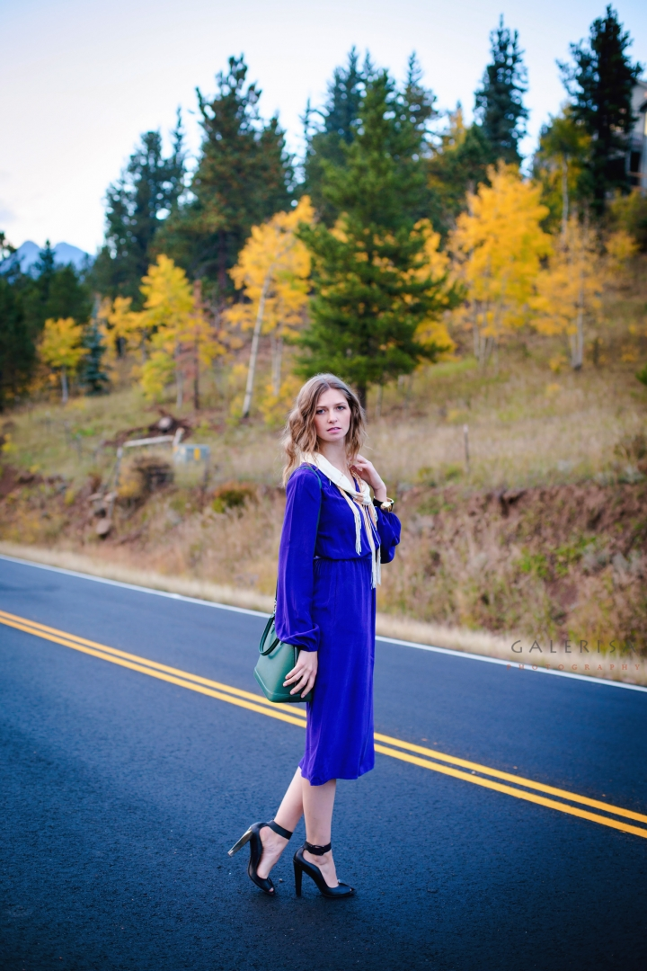 Blue-dress-in-autumn-fall-season-with-Galerisa-photography-2