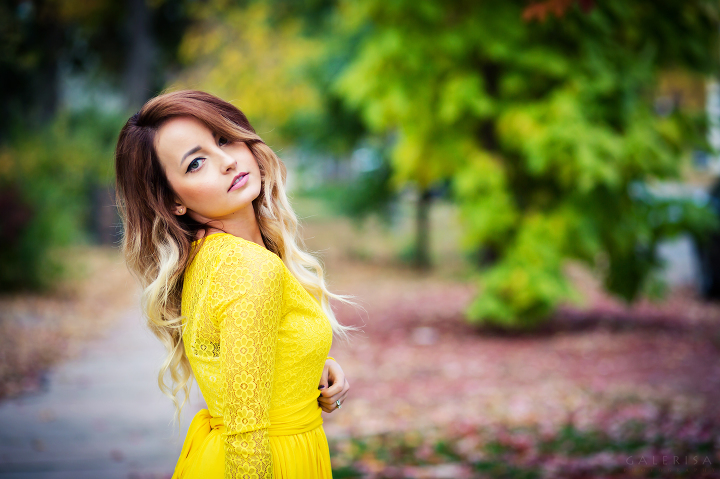 ModaPrint-Denver-Style-Fashion-Blogger-wearing-Yellow-Maxi-dress-with-GaleRisa-2015-19a