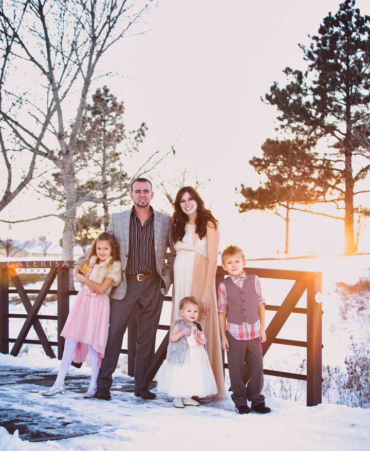 Andrew-Spook-Christmas-Family-Portraits-with-GaleRisa-Photography-Winter-2015-2a