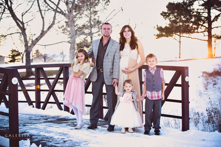 Andrew-Spook-Christmas-Family-Portraits-with-GaleRisa-Photography-Winter-2015-3a